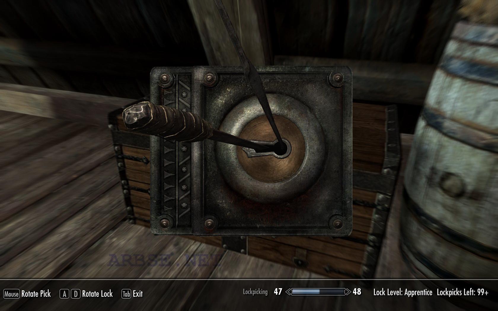 В данном видео показано как взламывать замки в игре Skyrim без